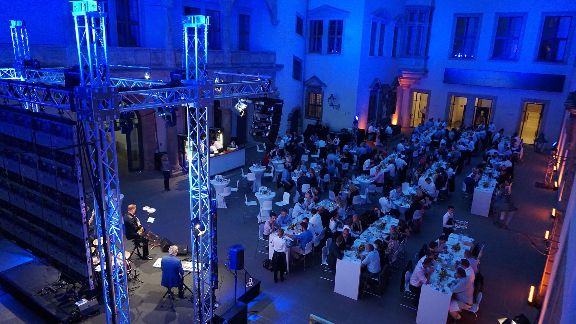 Großzügig Schwarzes Glas Küchenmöbelknöpfe Galerie - Ideen Für Die ...